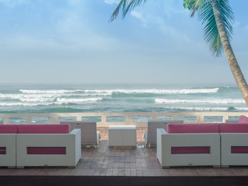 View The Beach And Relax At Outdoor Of Cantaloupe Aqua Sri Lanka